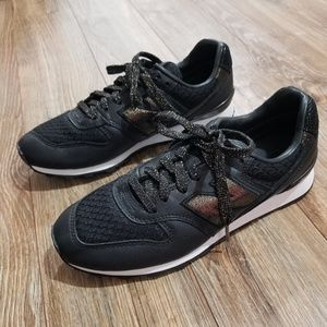 NWOT New Balance Embossed Leather Sneaker